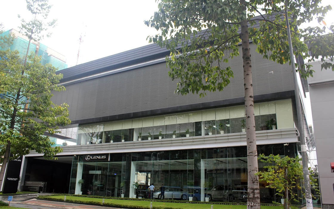 Lexus Trung Tam Sai Gon Showroom